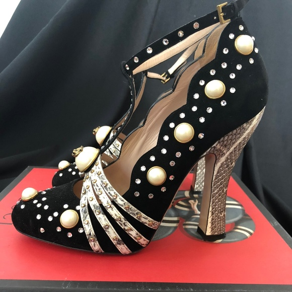 62215d4f695 Gucci Black Suede Ofelia Pearly Crystal T Strap